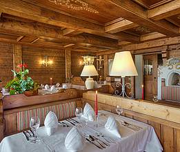 Restaurant with Old-Bavarian cosiness
